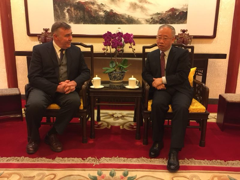 Liang Jianquan Meets with the Director of the Charles De Gaulle Foundation