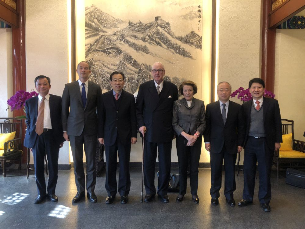 President Wu Hailong Meets with Chairman of Jardines Sir Henry Keswick